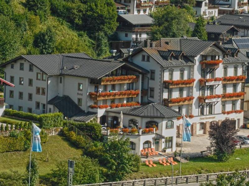 Hotel Grünberger im Sommer