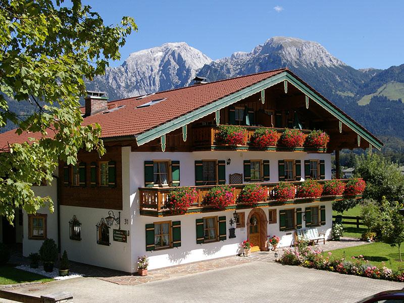 Ferienwohnung Gästehaus Almblick im Sommer