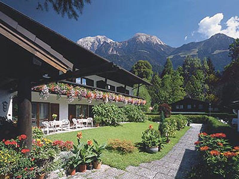 Hotel-Pension Greti im Sommer