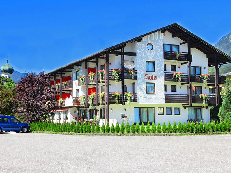 Alpenhotel Brennerbascht im Sommer