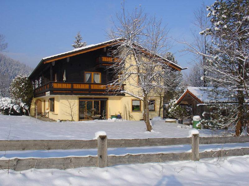 Toni's Appartements Ferienwohnung im Winter Schönau a. Köngissee