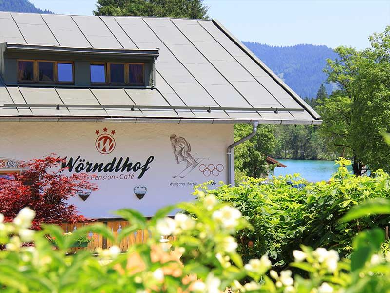 Pension-Gasthof Wörndlhof im Sommer