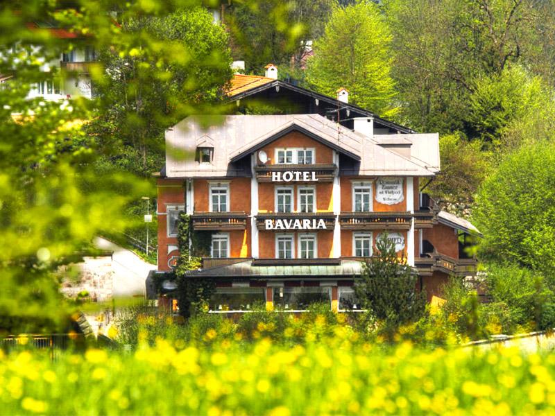 Hotel Bavaria im Sommer