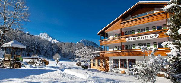 Urlaub im Hotel Alpenhof - Alm-&Wellnesshotel