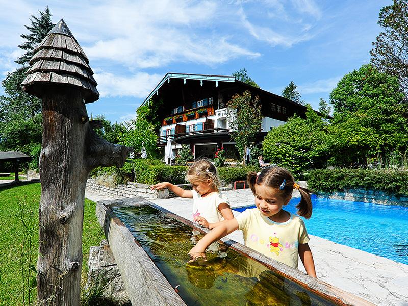 Stoll's Hotel Alpina im Sommer