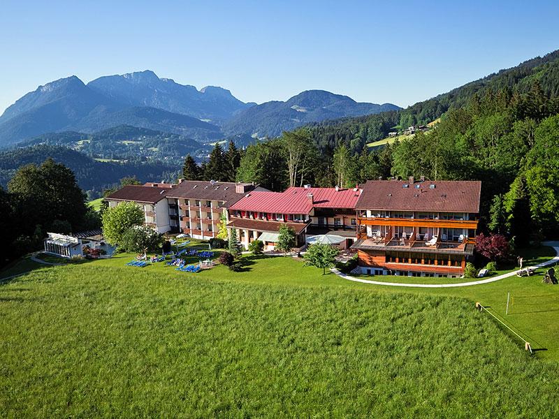 Alm- & Wellnesshotel Alpenhof im Sommer