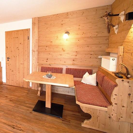 Gemütliche Sitzecke in der Ferienwohnung Watzmann
