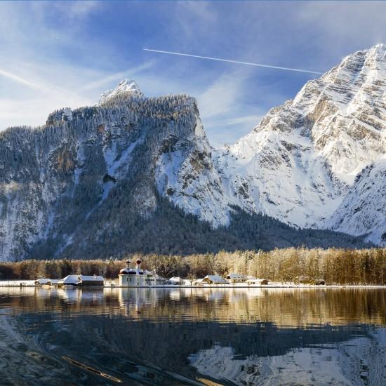 Der nahe gelegene Königssee im Winter