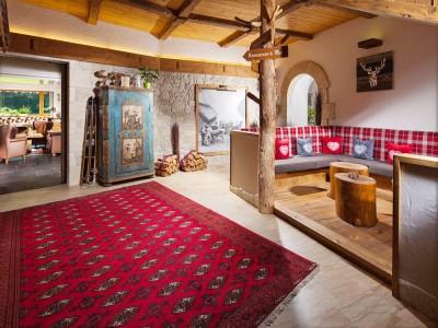 Alpenhof Eingangsbereich