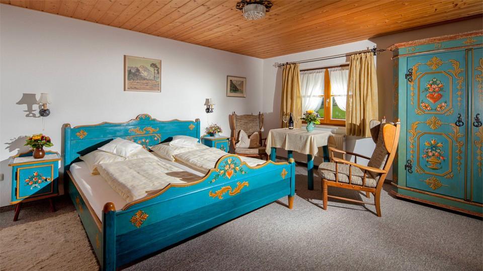 Haus Marienlehen Ferienwohnung Hochkalter Schlafzimmer