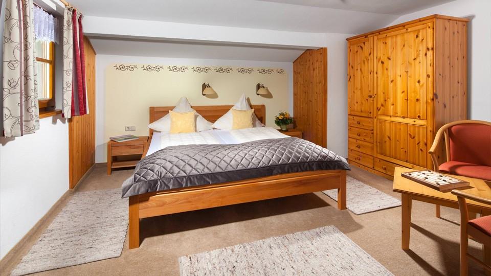 Haus Marienlehen Ferienwohnung Watzmann Schlafzimmer
