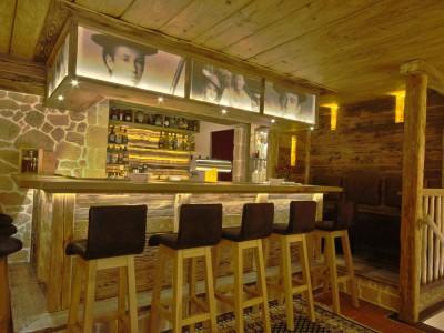 Alpenhof-Bar