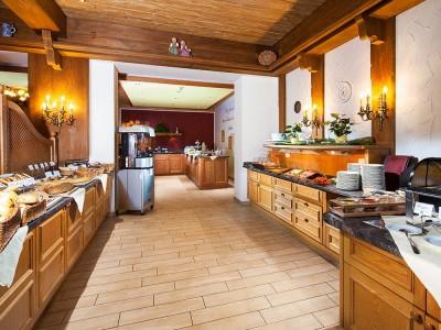 Alpenhof-Fruehstuecksbuffet