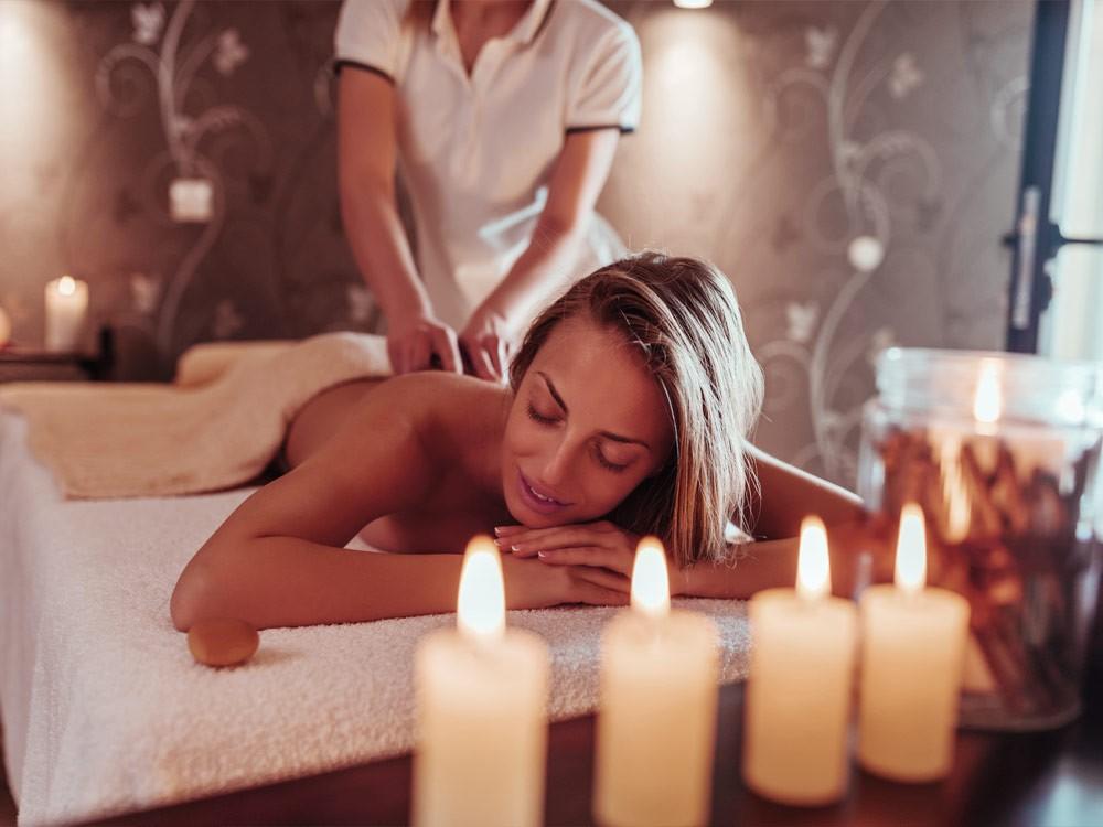 Demo Hotel Spa Bereich Massage