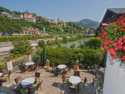 Hotel Grünberger Berchtesgaden Terrasse mit Ausblick