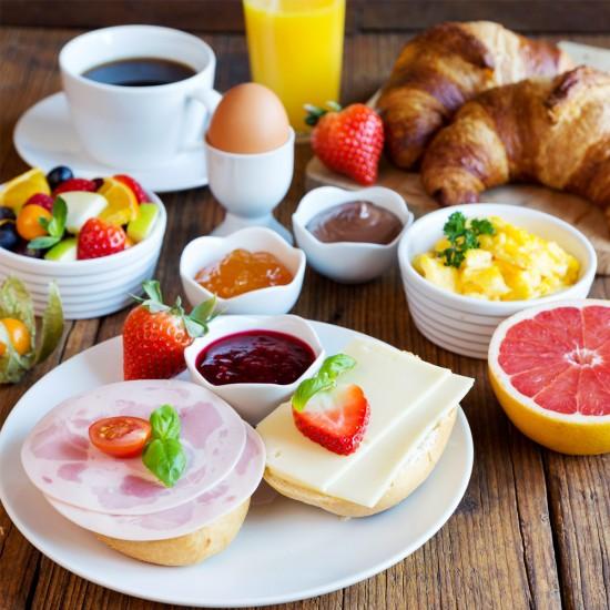 Frühstück im Hotel Reissenlehen