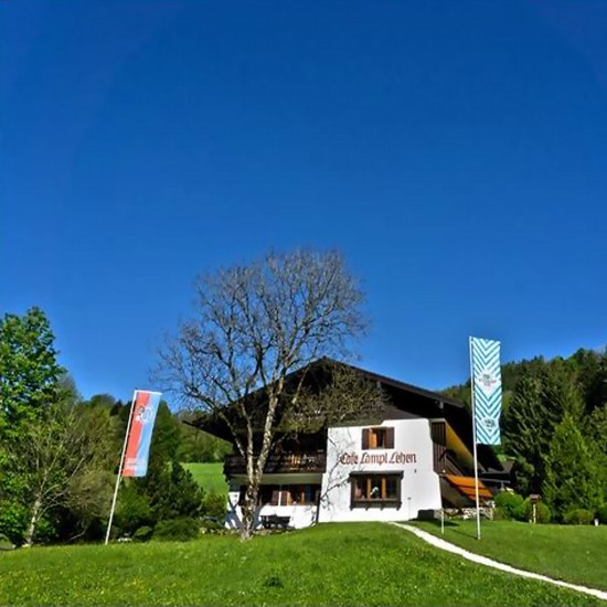 Hotel & Chalets Lampllehen im Sommer