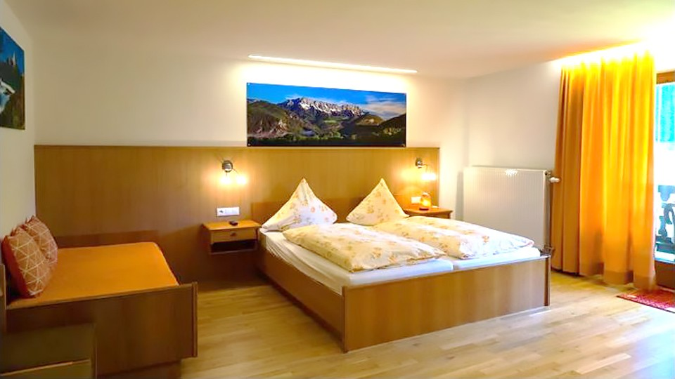 Zimmer 4 im Hotel Lampllehen