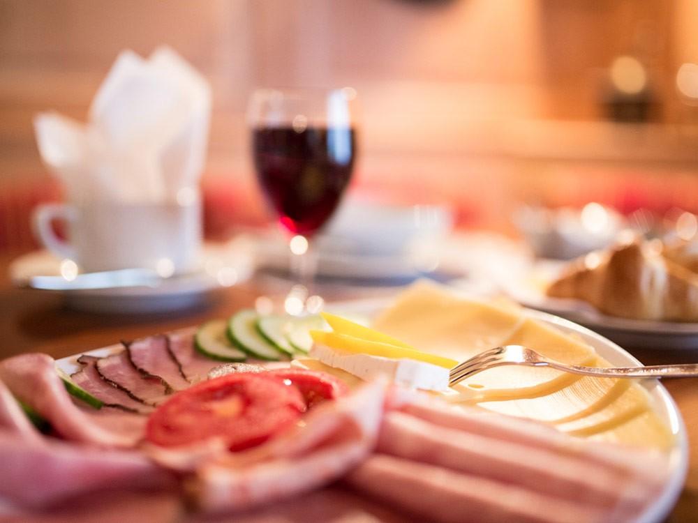 Regionales & Reichhaltiges Frühstück