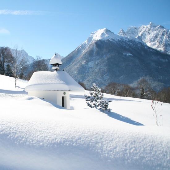 Gästehaus Heißenlehen Kapelle im Winter