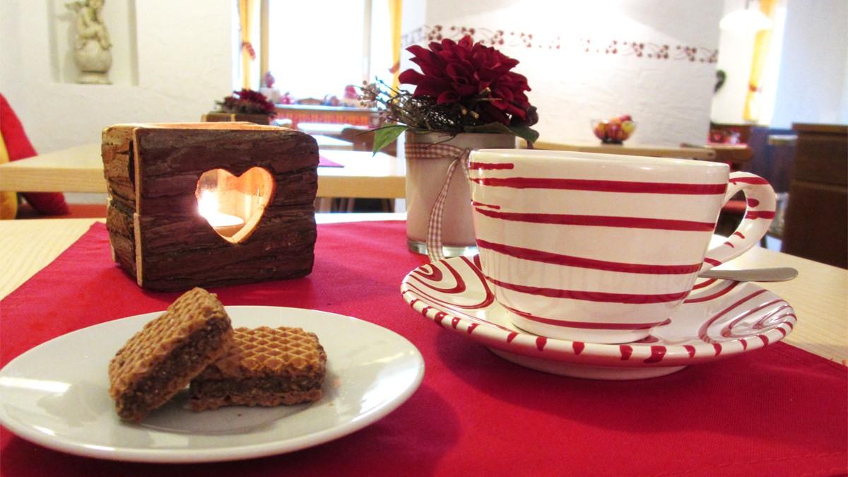 Gästehaus Heißenlehen Tee trinken im Winter